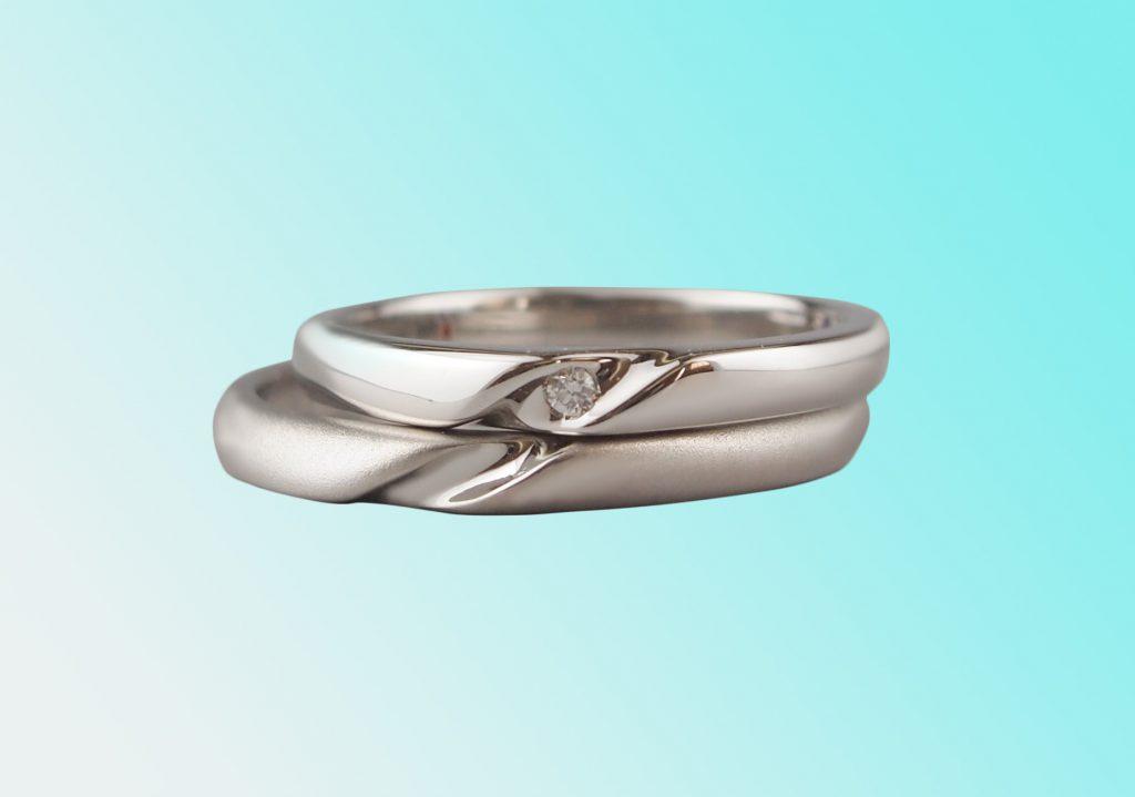 ラインが繋がる手作り結婚指輪