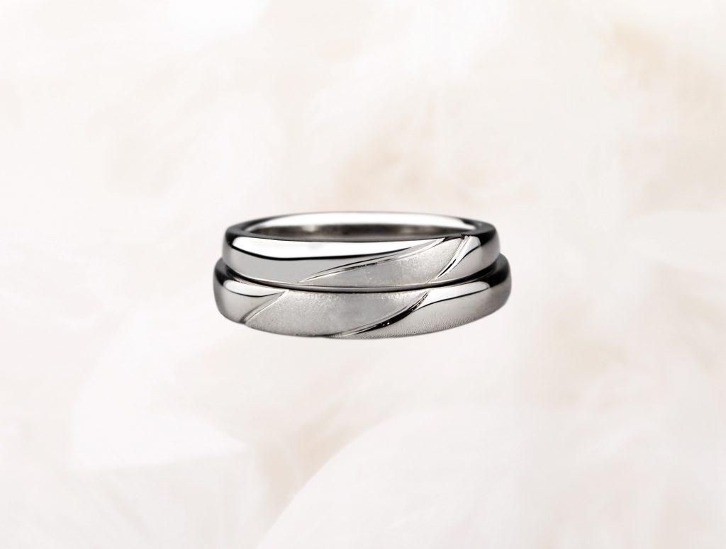 重ねた時の手作り結婚指輪